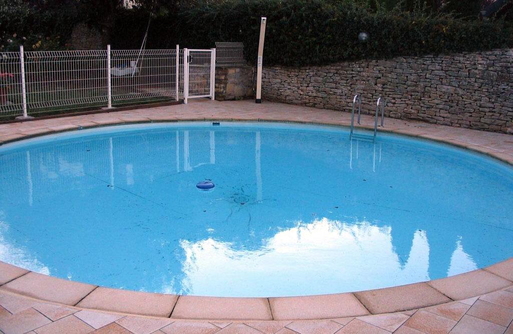 Piscine polystyr ne b ton coque piscine piscine sur for Piscine montbeliard