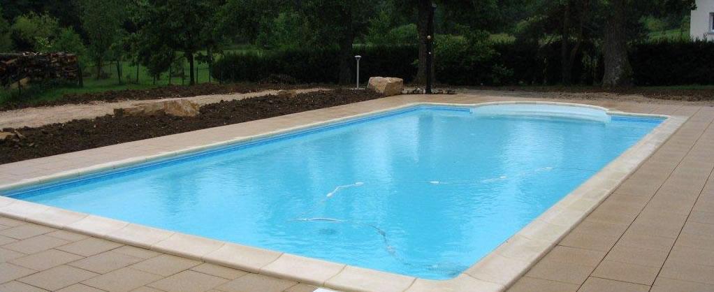 Piscine polystyr ne b ton coque piscine piscine sur for Piscine coque sur mesure